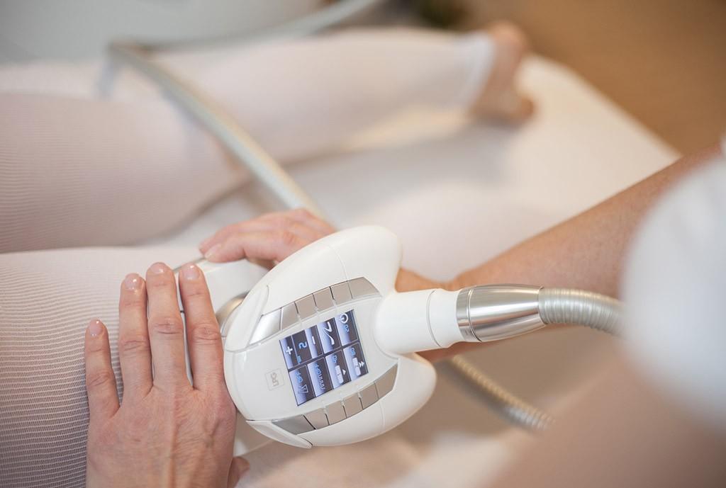 Lipomassage: Das Gerät für die Knet-Roll-Massage
